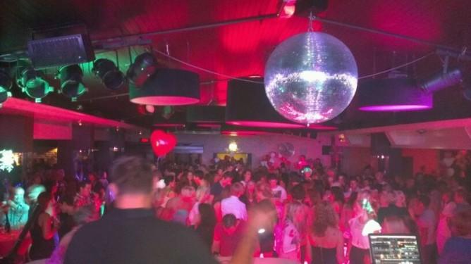 Remco DJing