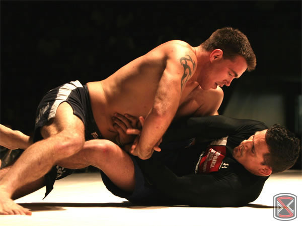 Jake Shields in a grappling match with Saulo Ribeiro at PSL