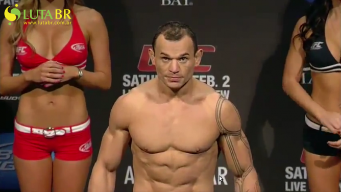 An Insight Into Gleison Tibau's Massive One Day Weight Cut