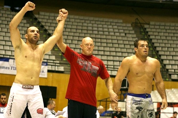 Glover beating Dean Lister in ADCC in 2009