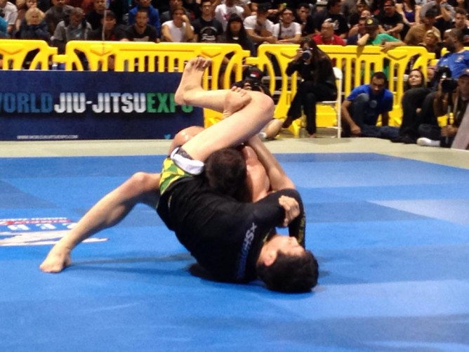 Paulo Miyao trying to submit Jon Fitch