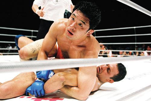 "The Legend of ""The Gracie Hunter"" Kazushi Sakuraba vs The Gracie Family"