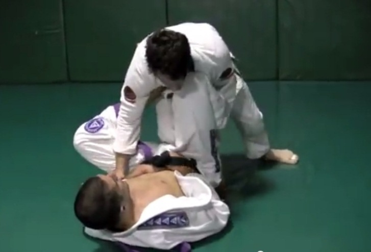 With Both Hands Tied In His Belt, Rener Gracie Submits Purple Belt Training Partner