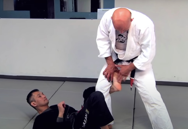 Defeat The De La Riva Guard With The Two Highest Percentage Leglocks