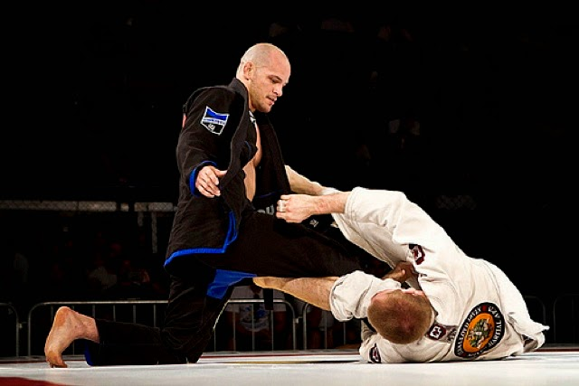 Modern Sport Jiu-Jitsu has evolved with new techniques and flows that make it very different from Kosen Judo