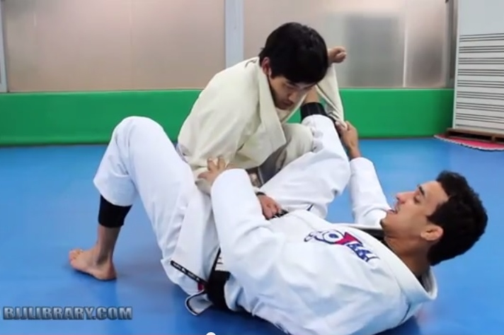 Learn Romulo Barral's Infamous Spider Guard Scissor Sweep to Triangle
