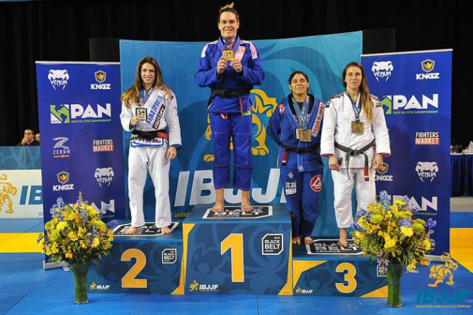 Video) Gabi Garcia vs Mackenzie Dern