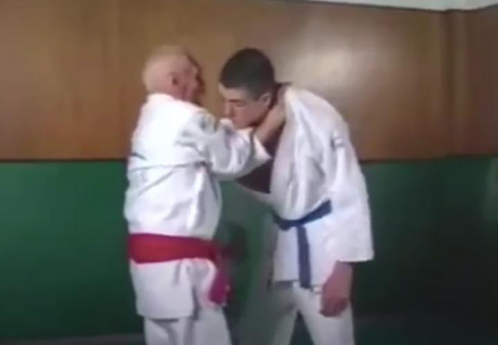Video: Helio Gracie's Complete Self Defense Jiu-Jitsu System