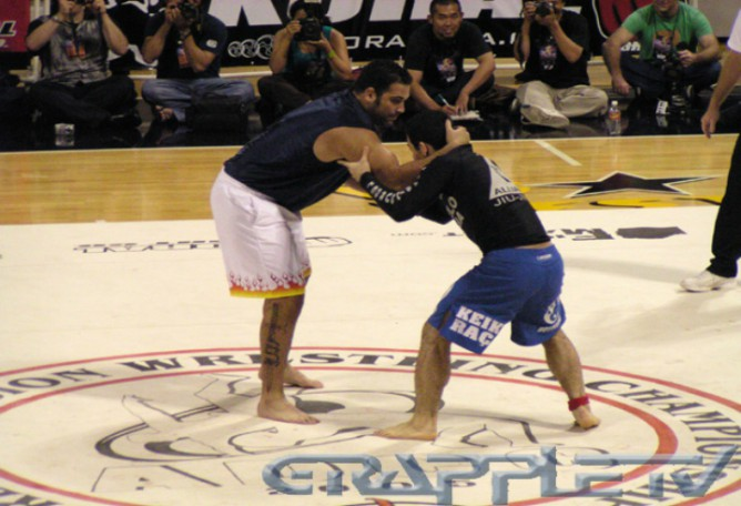 Marcelo Garcia defetaing Ricco Rodriguez in ADCC