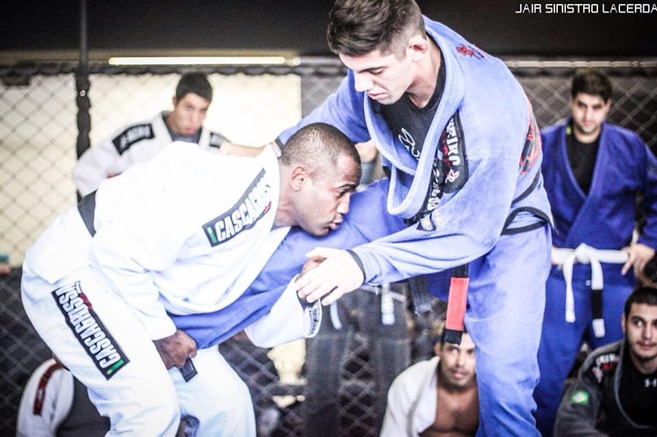 42 Best Takedowns & Combinations For Gi & No Gi BJJ