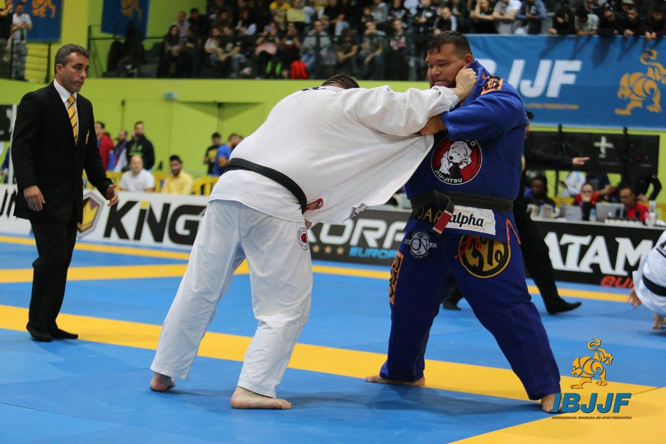 The Best Strategy For Facing Someone Bigger And Taller Than You In BJJ