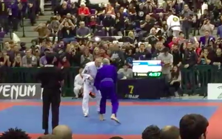 (Video) Anthony Bourdain At NYC BJJ Open. Nice Sweep!