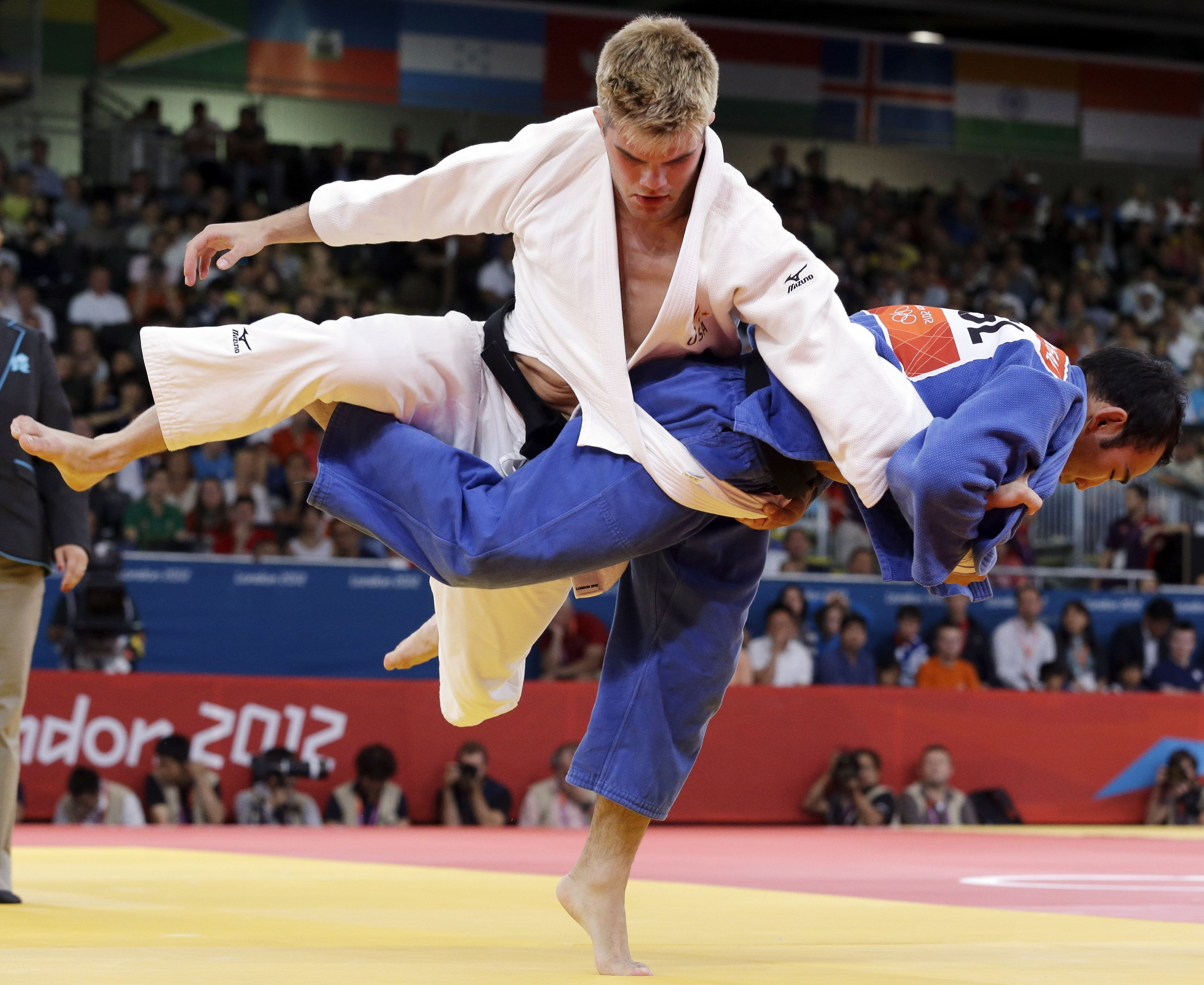 Best Of Submissions From The 2017 Judo World Championships