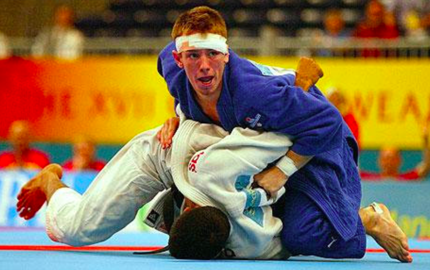 Judo World Champion's Way Of Dealing with a Tight Turtle