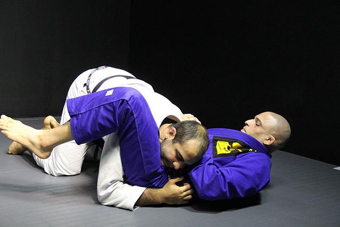 Bernardo Faria's 5 Tips To Pressure Pass Anyone's Guard While Barely Exerting Energy