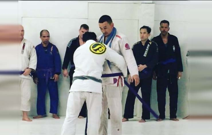 Max Holloway Receives BJJ Purple Belt !