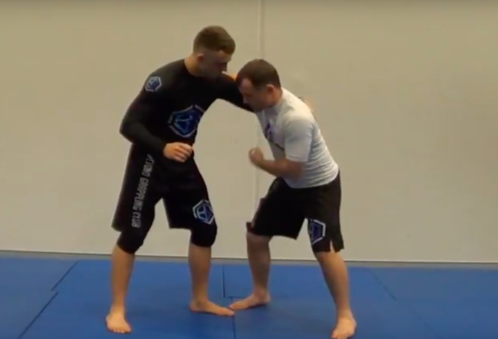 Judo Olympian Shows 2 No Gi Takedowns & Tight Submission From An Overhook