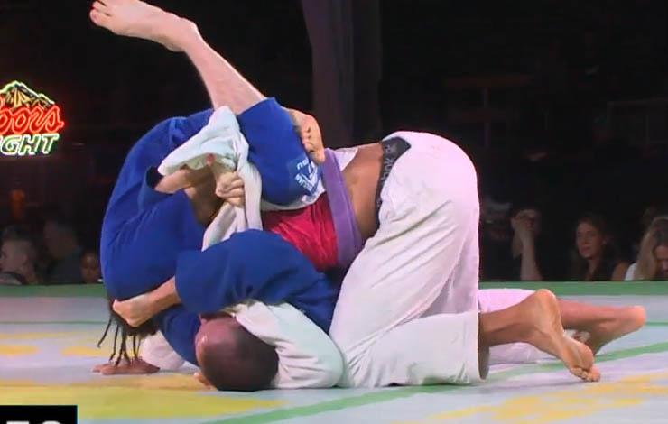 Purple Belt Wins Superfight With Buggy Choke