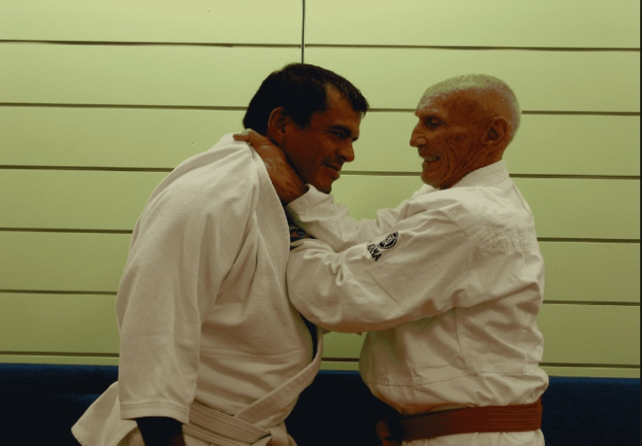 How To Set Up The Legendary 'Helio Gracie Choke'