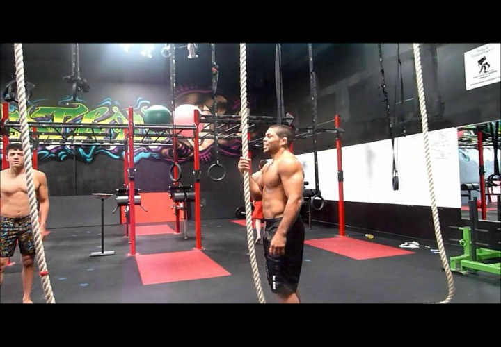 Building Grappling Strength Through Rope Climbing