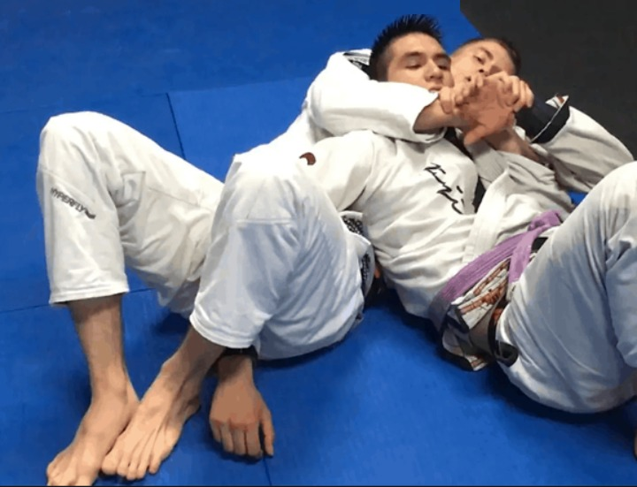 How To Pull Off Keenan Cornelius' Reverse Omoplata on Yuri Simoes