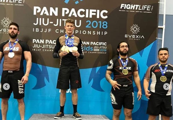 This Australian Submitted 10 Opponents to Get Quadruple Gold At Pan Pacifics