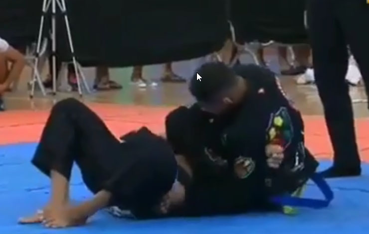 15 Year Old Blue Belt Defeats Black Belt