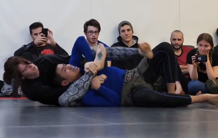 BJJ Girl from 10th Planet Montreal Submitted A Male blue belt
