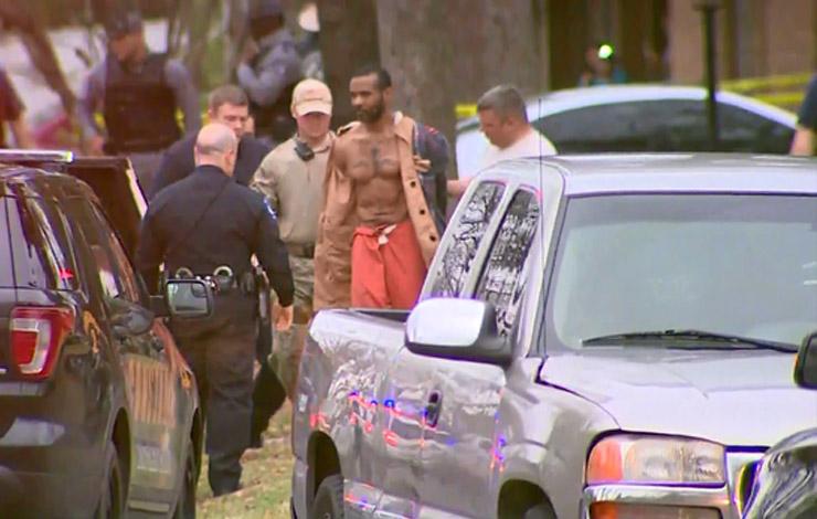 MMA Veteran Accused of Murders Escapes Prison Van – Hides in Trashcan