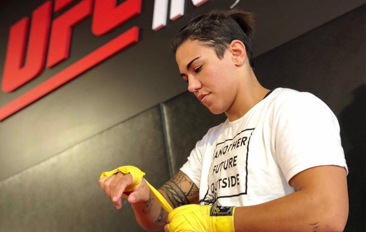 UFC champion Jessica Andrade robbed at gunpoint in Brazil
