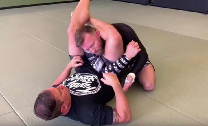 6 High Percentage Ways To Escape a Triangle Submission