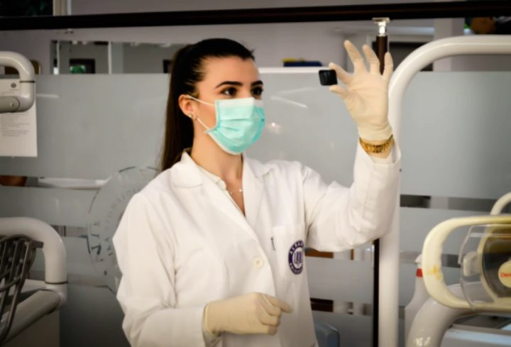 How a Cancer Support Community Can Help Medical Students to Eliminate the Cancer