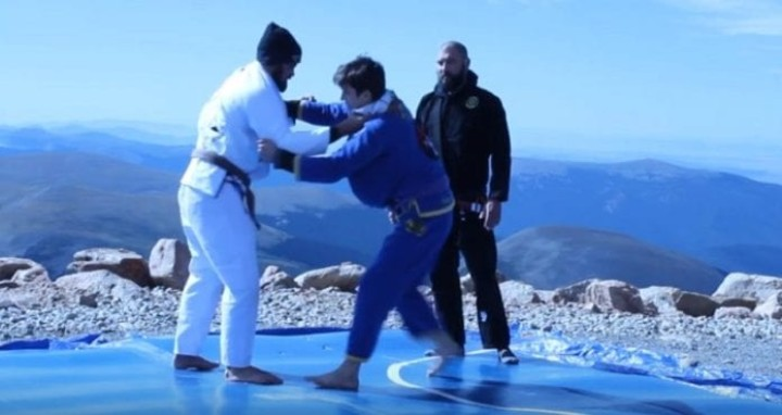 New World Record: Jiu-Jitsu Tournament at 14,000 ft