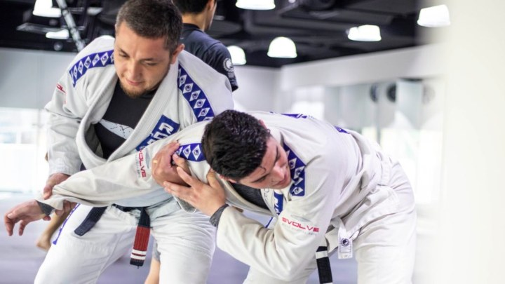 Here's How To Use The Russian Tie In BJJ