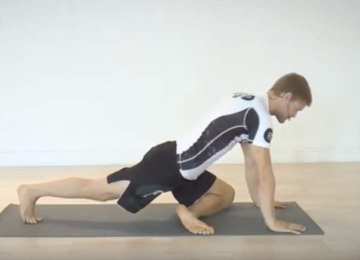 4 Hip Stretches That Your BJJ Hips Are Craving For