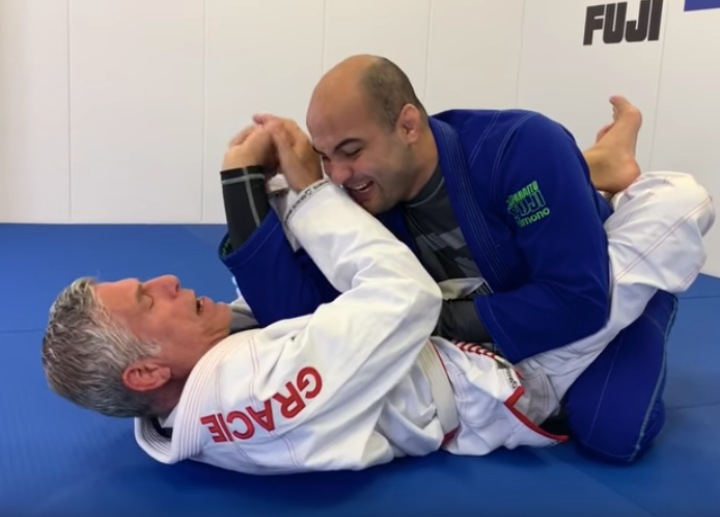 """Get Unfriended with These 5 Wrist Locks From Closed Guard by Márcio """"Macarrão"""" Stambowsky"""