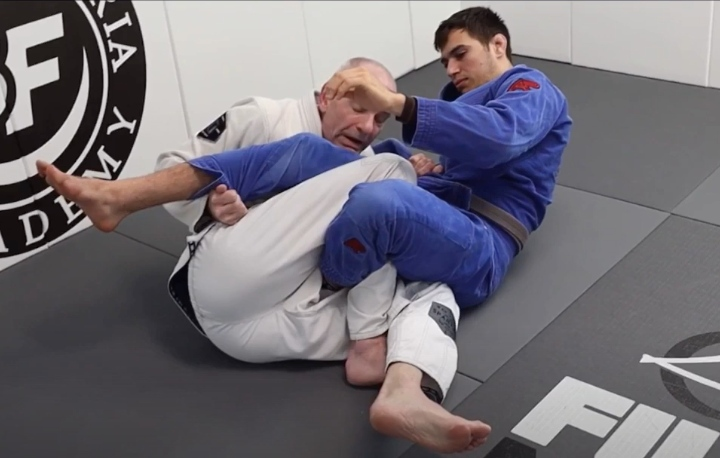 """The """"Bear Trap"""" Is The Perfect Surprise Submission As You're Passing The Guard"""