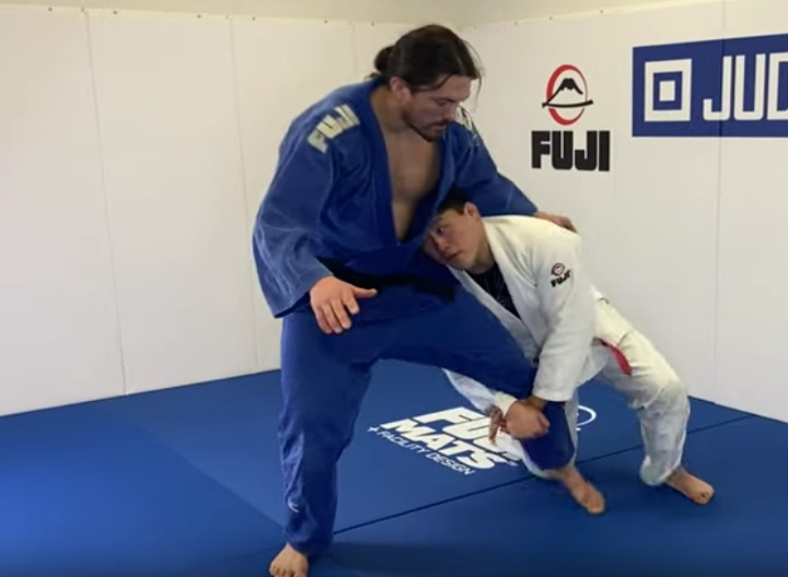 Improve Your Stand-Up Game With These Judo Leg Grab Takedowns