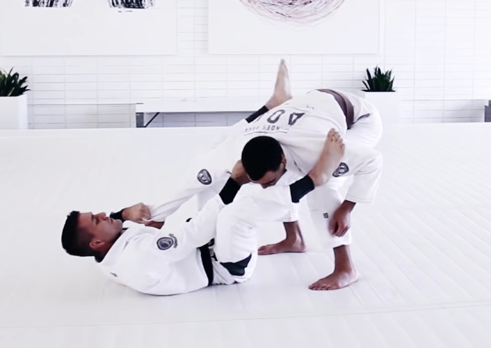 The Best Guard For Beginners: Collar Sleeve Guard with Rafael Mendes