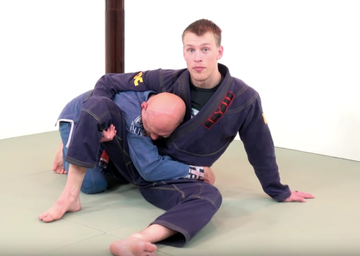 Revolutionary Way To Stop A Guard Pass When They've Passed Your Legs