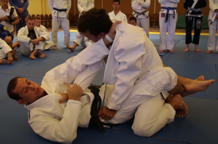 Roger Gracie Most Effective Closed Guard Armbar Set Up