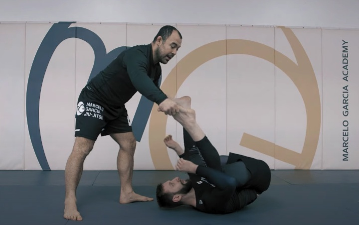Inverted Guard? No Problem – Learn How To Pass It With Marcelo Garcia