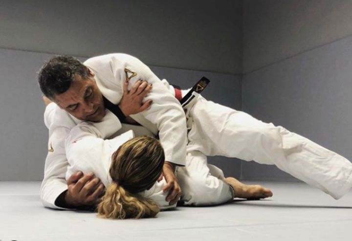 Two Examples on How To Have CONNECTION In Jiu-Jitsu – Rickson Gracie Black Belt Dave Kama