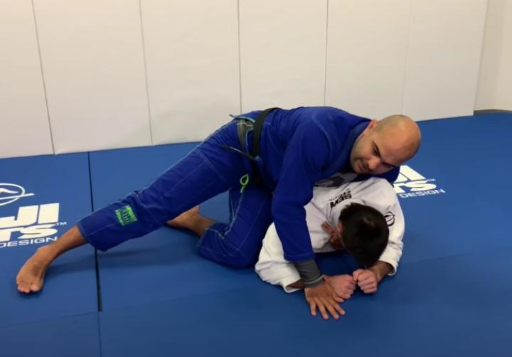 Bernardo Faria Shows His Favorite Way To Take The Back in the Gi