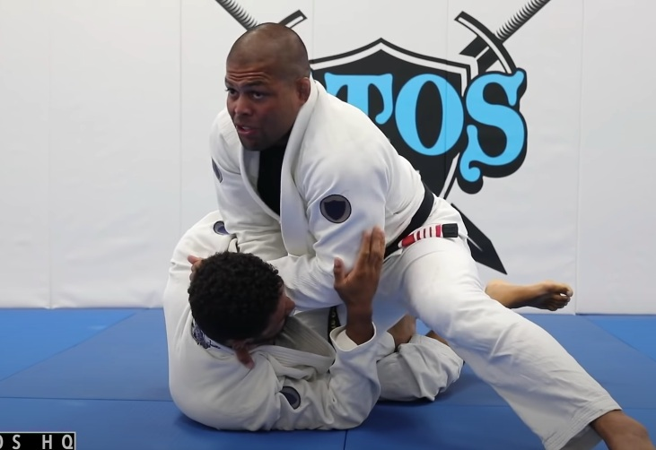 The Ultimate Cross Choke Setup From Knee Cut Position By Andre Galvao