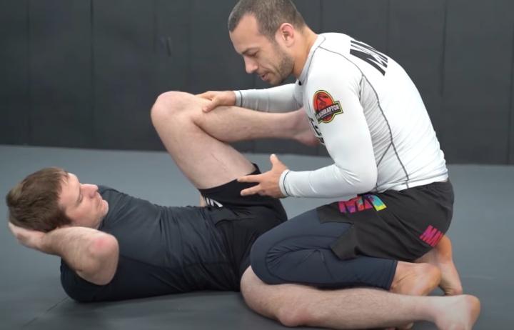 Sequences or Positional Techniques : Which One To Focus When Learning BJJ?