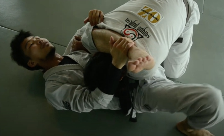 Use This Triangle Setup & Start Catching More People with Triangle Choke Right Away