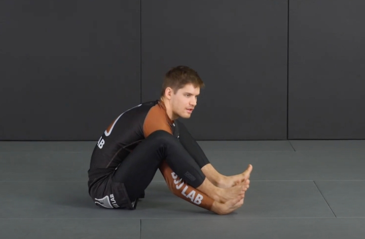 The Right Stretching To Improve BJJ Guard Retention