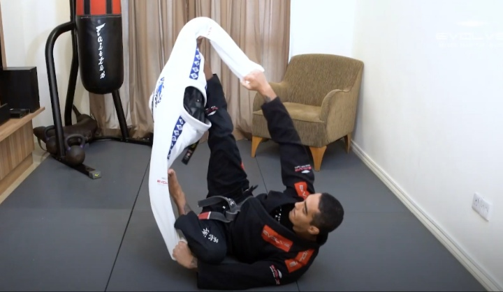 How To Make Yourself a Grappling Dummy in Less Than 2 Minutes