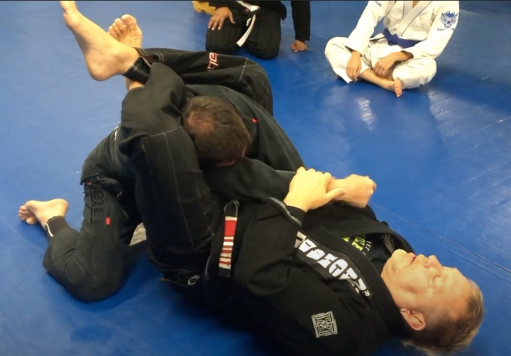 The Crooked Guard – Why Use It And How To TAP People With It